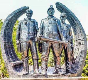 Мемориал подвигу шахтеров Макеевки: описание, фото, где установлен