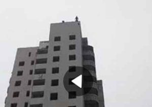 В Макеевке прыгнув с недостроенного дома разбился парень